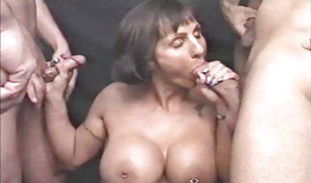 پیشخدمت زن زیبا Khloe به Kapri لینک کانال تلگرام سکسی گمراه مشتری ناراضی